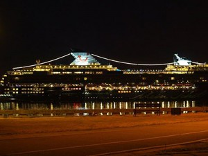 Restaurant's yard view: Curonian lagoon, cruise ships, Klaipeda city on the other shore of the lagoon - 7